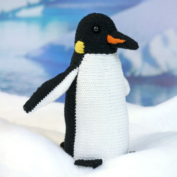 Download EMPEROR PENGUIN ROALD soft toy knitting pattern - Knitting Patterns immediately at Makerist