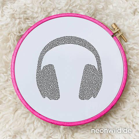 Stickdatei EEE - Headphones 13x18 bei Makerist sofort runterladen