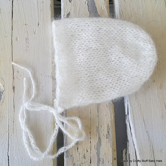 Download Newborn Baby Bonnet 4ply Fingering  - Knitting Patterns immediately at Makerist