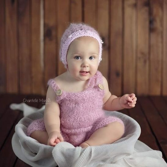 Download Sitter Size (6 -9 months) Dungaree Romper - Knitting Patterns immediately at Makerist