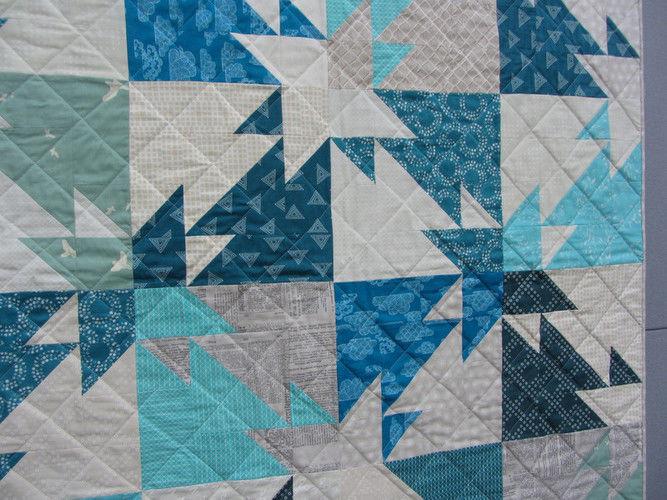 Makerist - Triangle Challenge Babyquilt - Patchwork-Projekte - 3