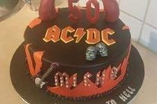 Makerist - ACDC Torte - 1