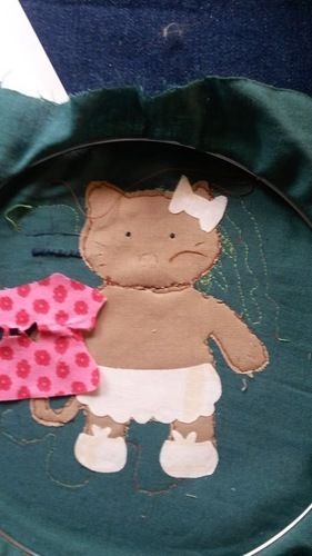 Makerist - Malen mit der Nähmaschine Katzi auf das Lätzchen. - Nähprojekte - 3