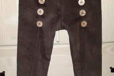 Makerist - Karl Knopf aus braunem Breitcord und Kokosnussknöpfen - 1