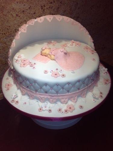 Makerist - Tauftorte - Torten, Cake Pops und Cupcakes - 1