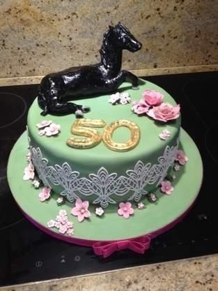 Makerist - 50er Torte für eine Pferdenärrin - 1