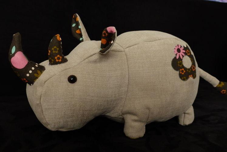 Makerist - Peluche Rhinocéros - Créations de couture - 3