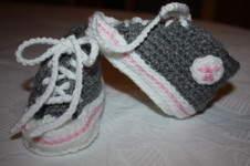 Makerist - gehäkelte Turnschuhe fürs Baby - 1