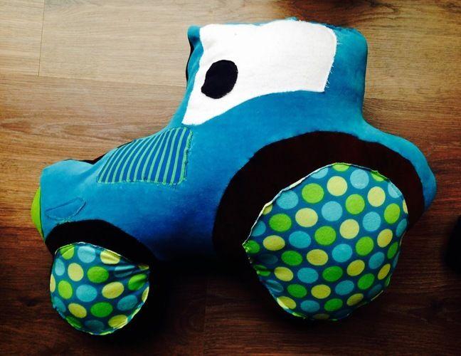 Makerist - Treckerkissen Theo für meinen Schatz aus Nicki und Jersey  - Nähprojekte - 1