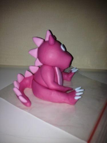 """Makerist - """"Pinky"""" meine Drachendame aus Fondant - Torten, Cake Pops und Cupcakes - 2"""
