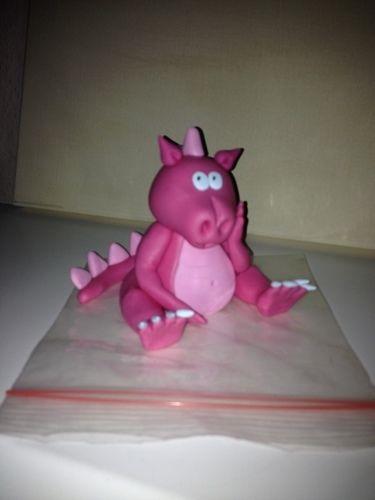 """Makerist - """"Pinky"""" meine Drachendame aus Fondant - Torten, Cake Pops und Cupcakes - 3"""