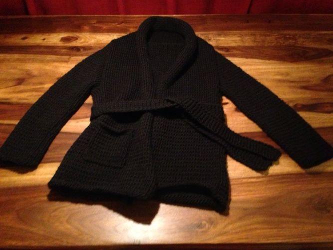 Makerist - Kuschlige Kimono Jacke in schwarz - Strickprojekte - 1