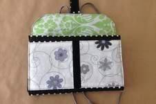 """Makerist - Kulturtasche """" Hanging 3 """" aus Baumwolle und Wachstischdecke für meine Mum, da Sie gerne reist und nicht immer Platz hat zum abstellen der Kulturtasche - 1"""