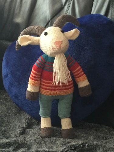 Makerist - Erich, der kleine Jungziegenbock - Strickprojekte - 1