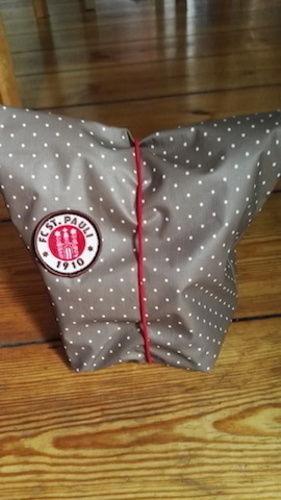 Makerist - Lunchbag für St. Pauli Fans, hergestellt aus Wachstuch in Paulifarbe braun weiß - Nähprojekte - 2