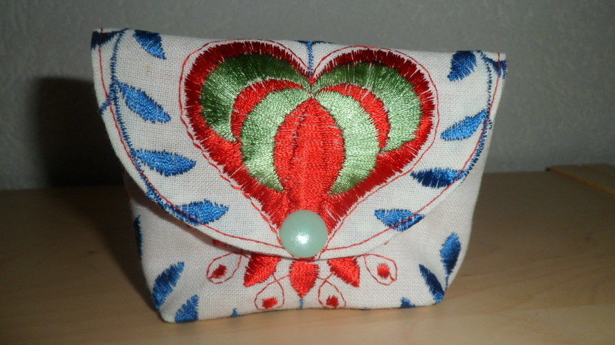 """Makerist - """"Von Herzen"""" Mini Täschle ca. 10x8 cm aus einem Vorhangrest, für die beste Freundin. - Nähprojekte - 1"""