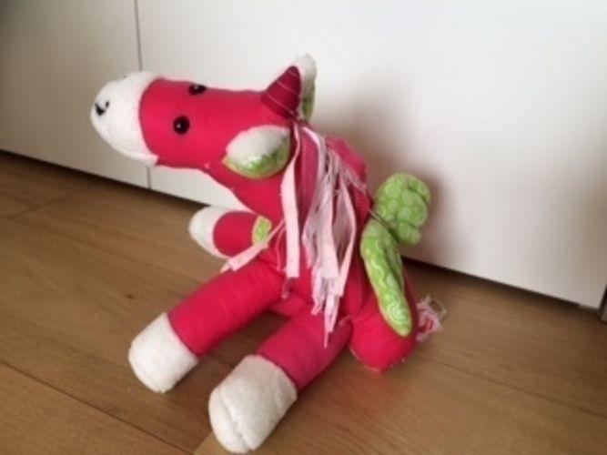 """Makerist - Kuscheltiere aus Kinderträumen """"Das Einhorn"""" - Nähprojekte - 2"""