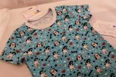 Makerist - T-shirt Gr. 122 mit Over- und Coverlock genäht - 1