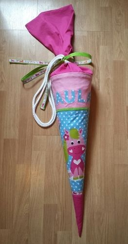 Makerist - Schultüte mit Pony Greta Applikation für unsere Tochter Paula - Nähprojekte - 1