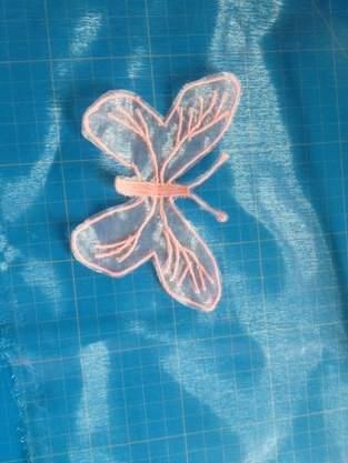 Makerist - Organzaschmuck Schmetterling - Freihandsticken - 1