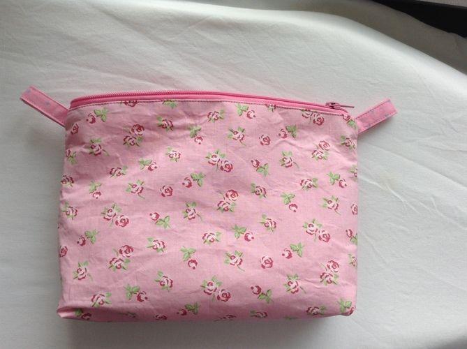 Makerist - Geburtstagsgeschenk: Kosmetiktasche mit Innenfächern - Nähprojekte - 2