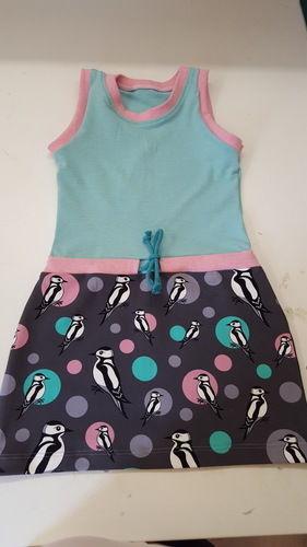 Makerist - Sportyshirt  es ist aus Jersey und dem supertollen pikus stoff.  😍 es ist ein Kleid für meine jüngste Tochter.   - Nähprojekte - 2