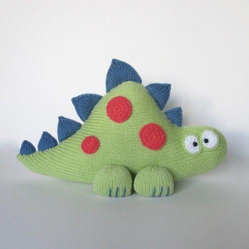 Makerist - Clarence the Dinosaur - Knitting Showcase - 1