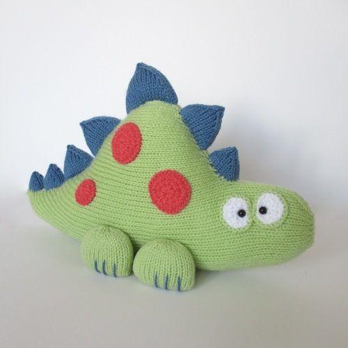 Makerist - Clarence the Dinosaur - Knitting Showcase - 2