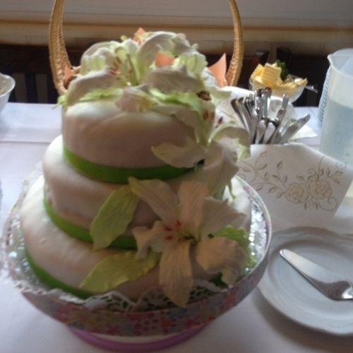 Hochzeitstorte aus Fondant mit Orchideen aus Fondant  von Ariane ...