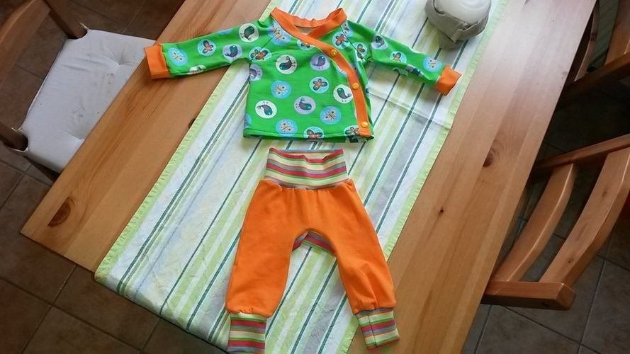 Makerist - Baby Wickel Jäckchen und Monkey Pants - Nähprojekte - 1