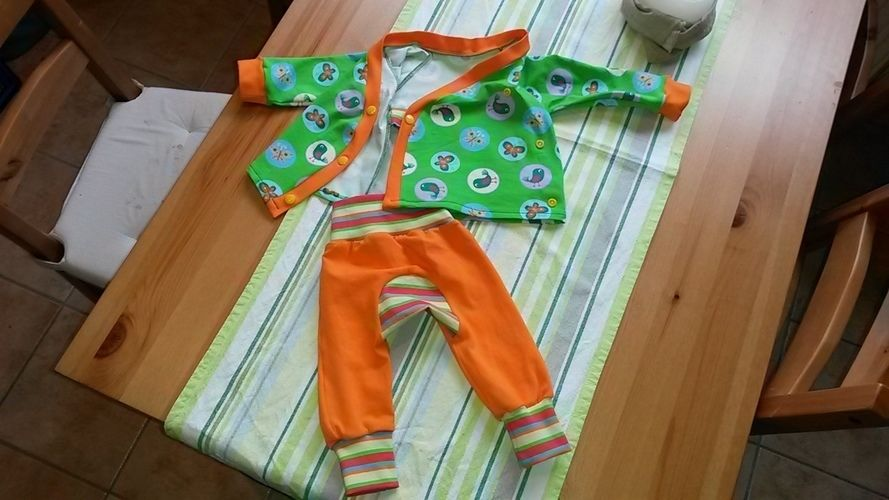 Makerist - Baby Wickel Jäckchen und Monkey Pants - Nähprojekte - 2