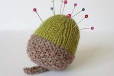 Makerist - Acorn Pincushion - 1