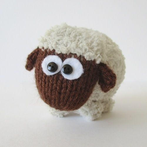 Makerist - Baa-Bara the Sheep - Knitting Showcase - 1
