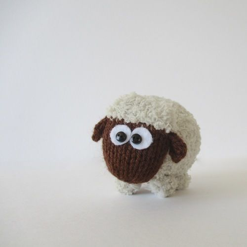 Makerist - Baa-Bara the Sheep - Knitting Showcase - 2