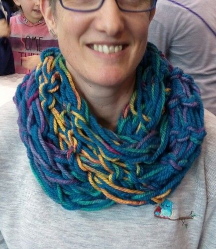 Makerist - Ein Loop durch Fingerstricken hergestellt - DIY-Projekte - 1