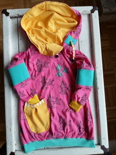 Makerist - Eine Schwalbe allein macht noch keine Schwester - Jersey Kombi für die Große und die bald neue Babyschwester - Nähprojekte - 2