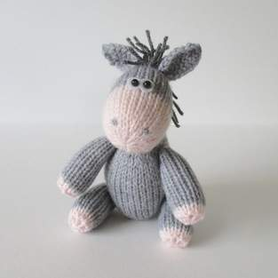 Makerist - Bobbin the Donkey - 1