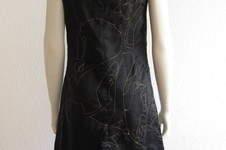Makerist - Sticken mit der Nähmaschine als Kleid - 1
