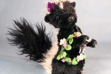 "Makerist - 7"" Petunia Skunk posable mohair collectible  artist soft sculptured animal - 1"
