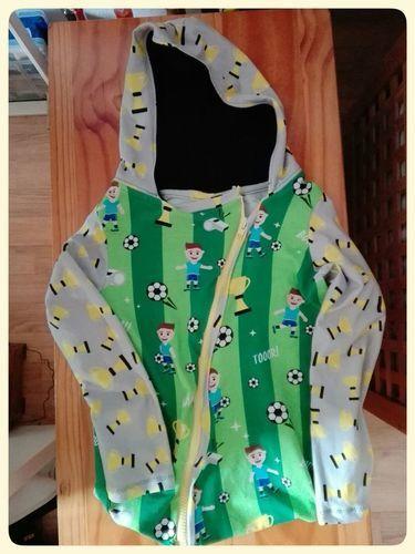 Makerist - Jacke für Fußball Fan - Nähprojekte - 1
