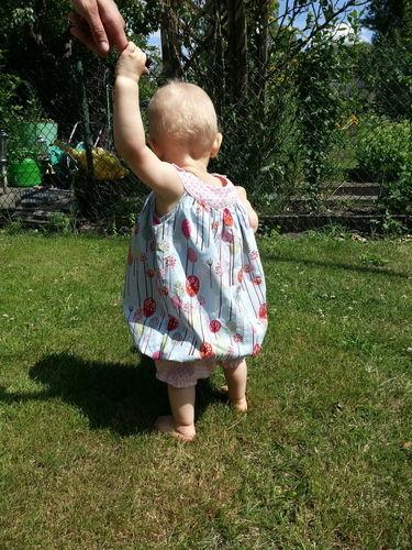 Makerist - Ballonkleid für die Nichte mit Schlössern und Bäumchen - ein Prinzessinnentraum - Nähprojekte - 2