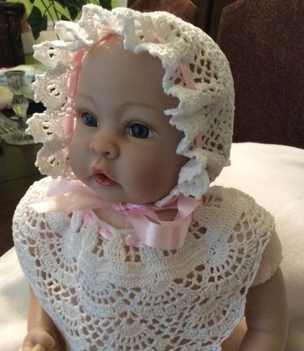 Makerist - Baby Andrea christening gown, bonnet, bib and mittons - Crochet Showcase - 3