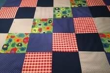 Makerist - Spieldecke für mein Fritzchen aus feinen Baumwollstoffen (Reste) - 1
