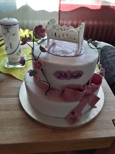 Makerist - Tauftorte für Jule Sophie - Torten, Cake Pops und Cupcakes - 1