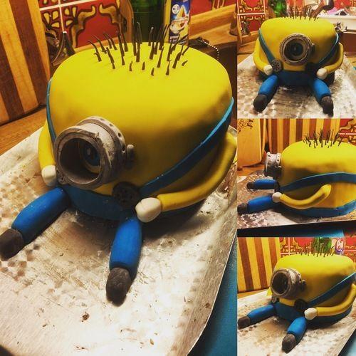 Makerist - Minion 3D Torte - Torten, Cake Pops und Cupcakes - 1