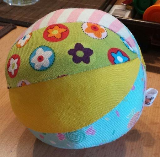Makerist - Spielball für Babys - Nähprojekte - 1