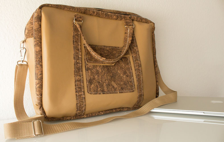 Makerist - Notebooktasche aus Kork und Leder - Nähprojekte - 1