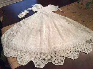 Makerist - poinsettia christening gown, hat and headband - 1