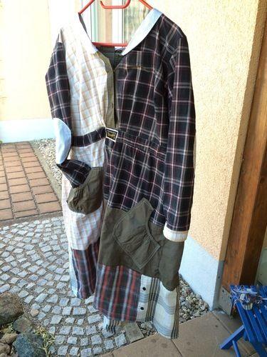 Makerist - Puzzelkleid, zusammen gesetzt aus 6 Herrenhemden und einem Kleid . Für mich selbst, mein allererstes Kleid . Die Ärmel und die Knopfleisten wollte ich unbedingt mit einarbeiten. - Nähprojekte - 1