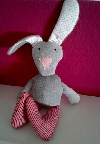 """Makerist - Stofftier Hase """"Leni"""" -aus Baumwollstoff, Frottee und Füllwatte- - Nähprojekte - 1"""